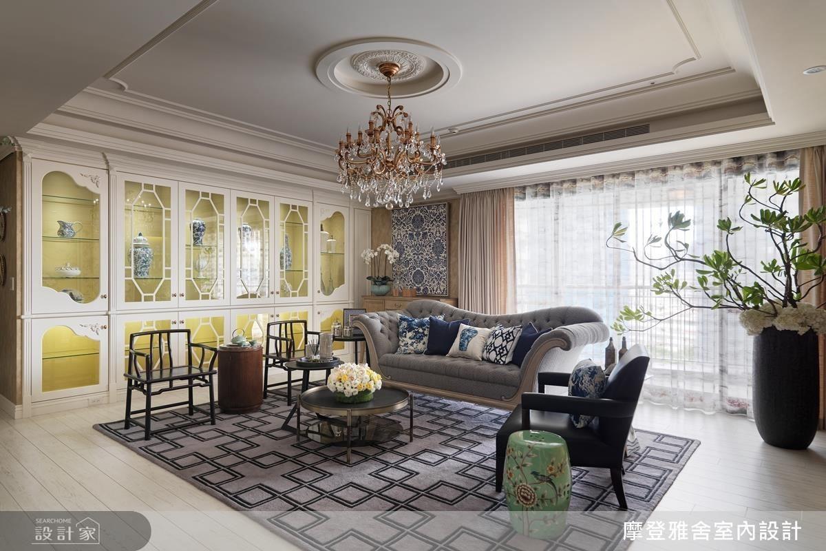 中式座椅與西式沙發,鄉村風櫃體與青花瓷,設計師不僅滿足屋主喜好也詮釋屋主的獨到品味。