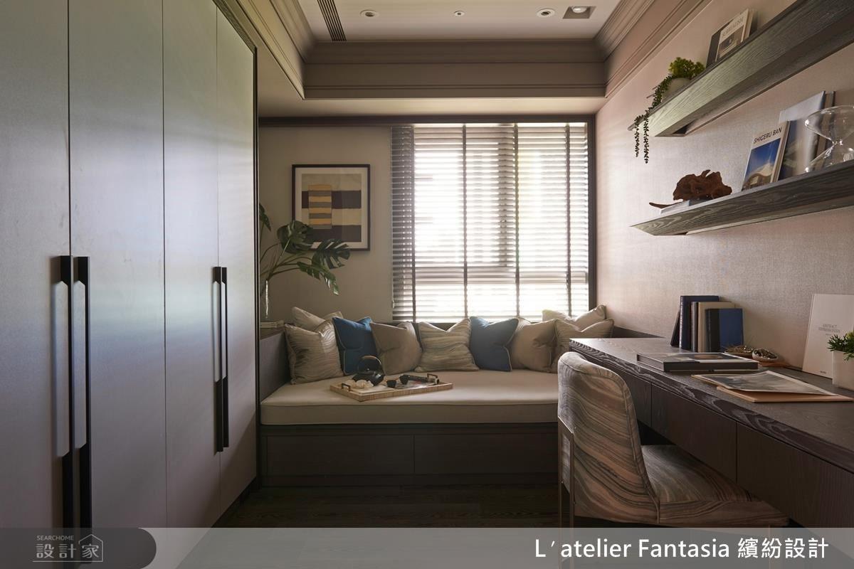 房間 2,書房兼彈性空間。