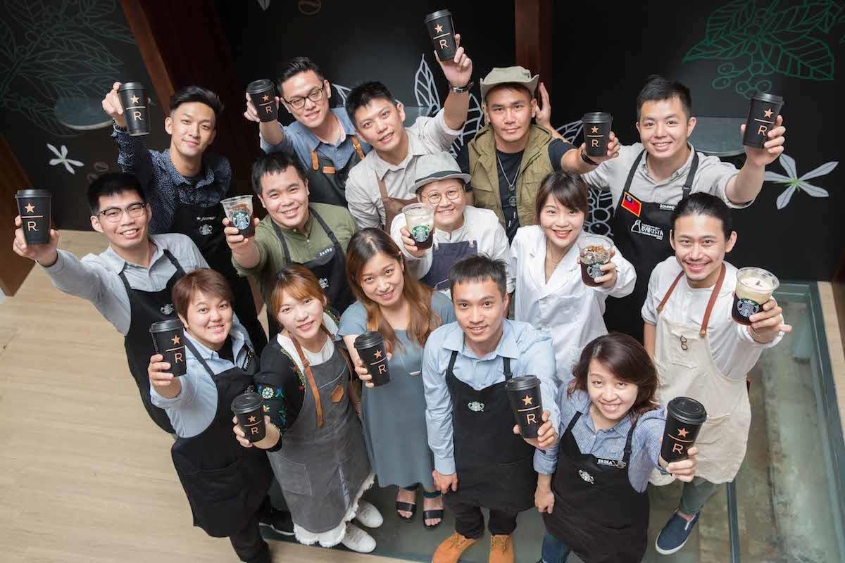 首度策畫由7位星巴克咖啡大師與7位不同生活領域的職人藝術家,如藝術、插畫、甜點、香氣、調飲、植栽等,從不同的視角及領域來激發火花。圖片提供_星巴克