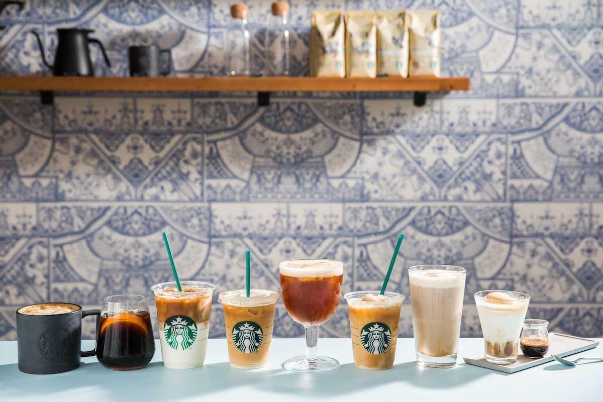 8款概念店獨家飲品,帶來多元風味選擇,例如包含台灣獨家研發、首次將新鮮水果入咖啡的「夏日特調咖啡」、「夏柚氣泡咖啡」。圖片提供_星巴克