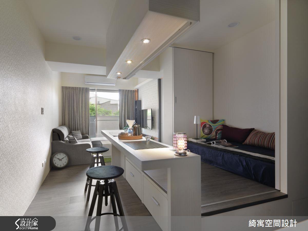 彈性共用的吧檯空間,可以視使用情形,再調整吧檯和廊道的空間大小。