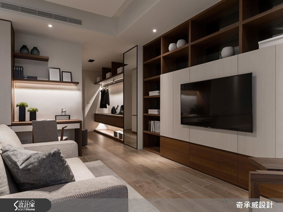 巧妙置入沙發構築一個起居空間,讓屋主享受愜意休憩時光。