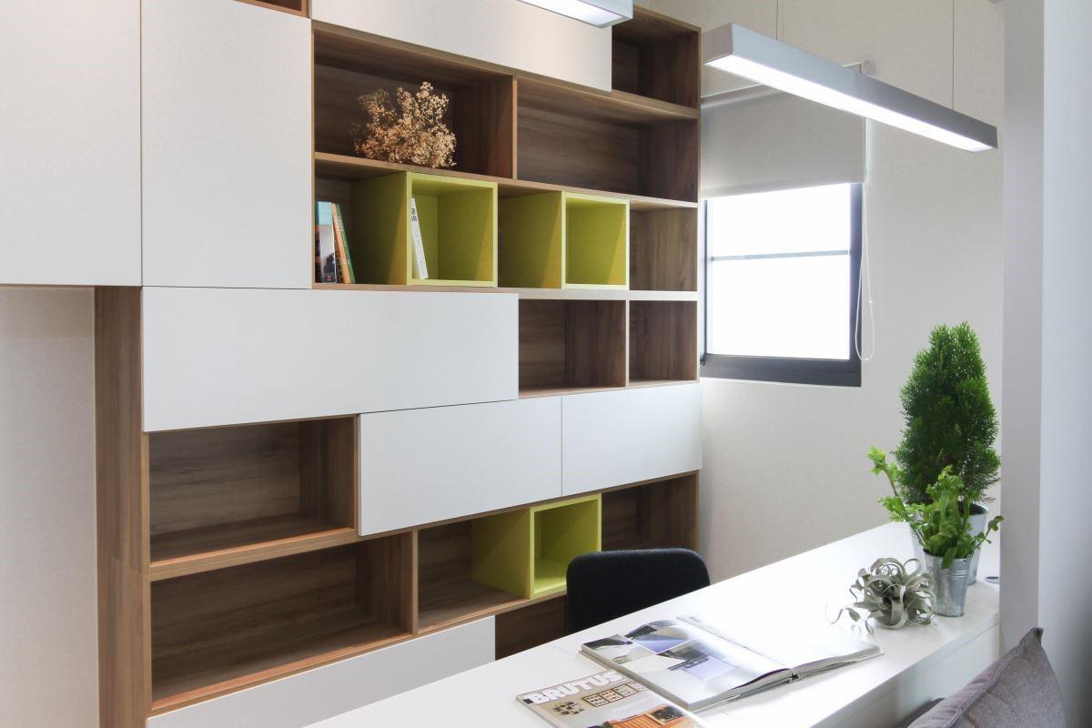 配合居家設計、空間採光,安德康都能以多變的設計與繽紛的色彩,為客戶量身訂做最能滿足需求的系統家具。