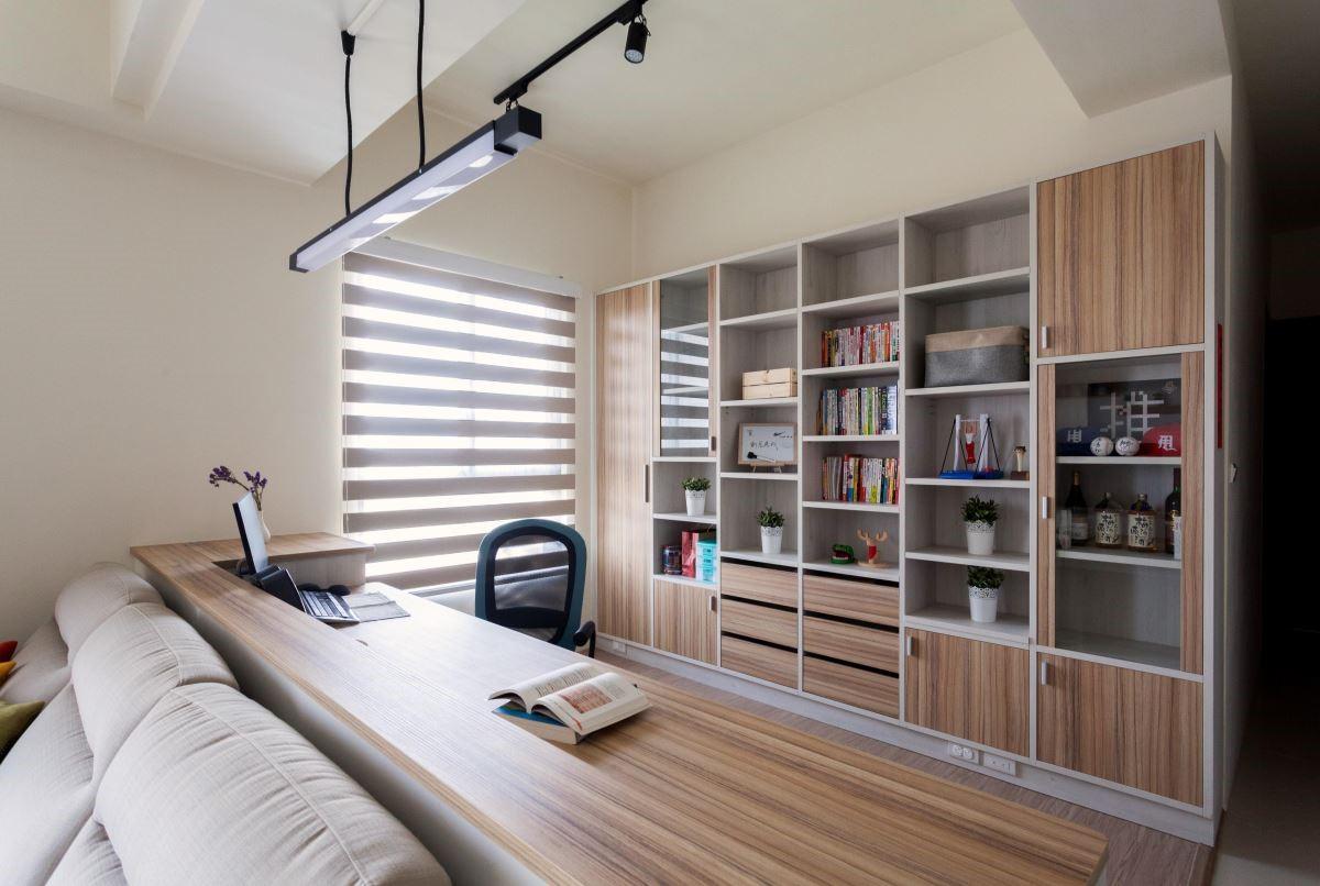 與客廳串聯的開放式書房,滿足全家人的閱讀需求。
