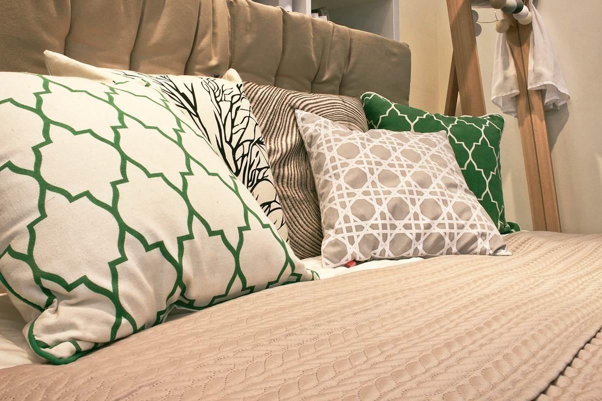 濃妝淡抹總相宜的各式抱枕,也是為居家上妝的好選擇。