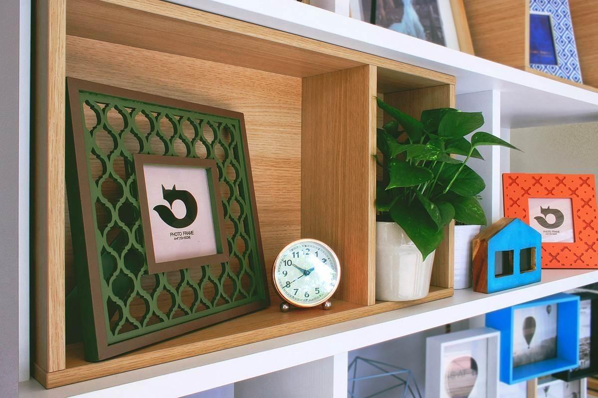 吸睛的雕刻系列相框,擁有窗花般的的立體效果,空間在家飾點綴下而更想駐足了。