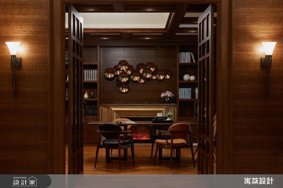 沉穩的胡桃木色系,讓空間基調放鬆舒適,又有沉穩氣韻。