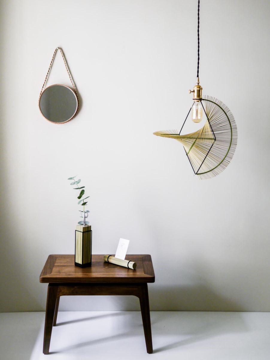 Kamaro'an推出的浪草燈、編織掛鏡、桌上風景系列作品。