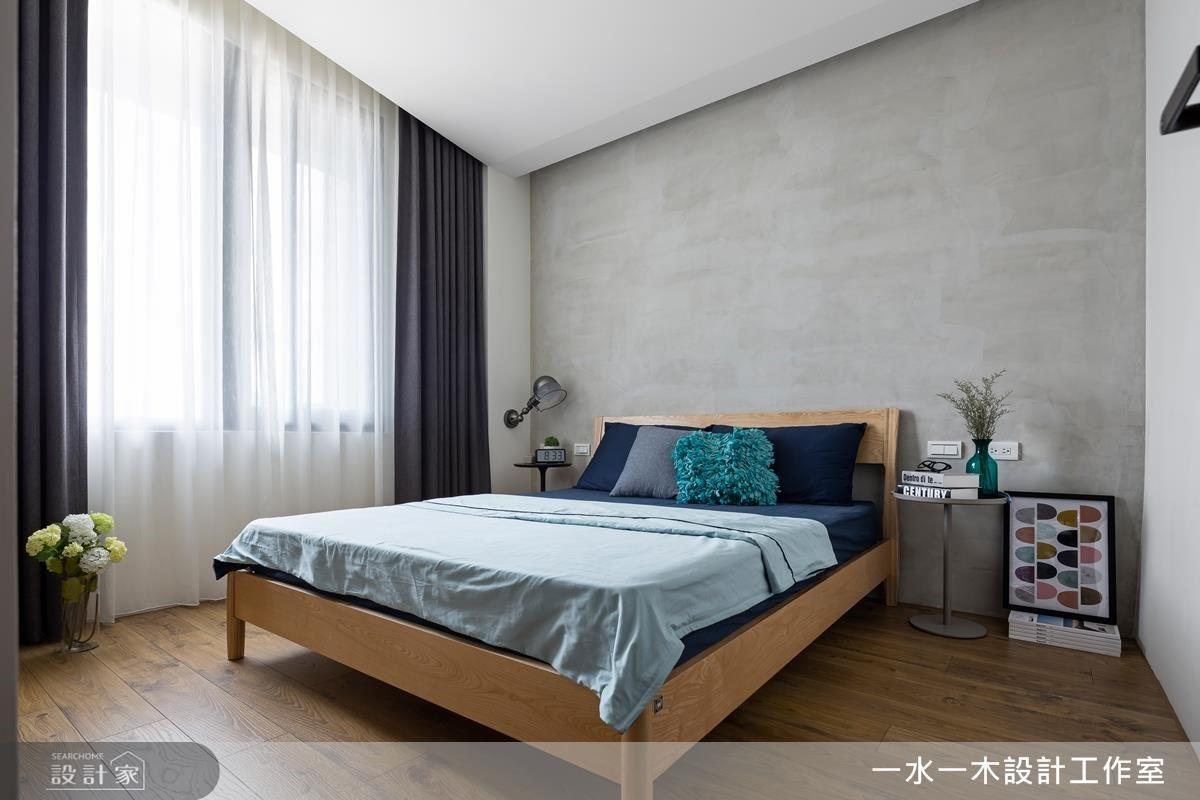 以機能性為主的臥室,減少過多硬體裝飾,給予屋主自在舒適的睡眠空間。