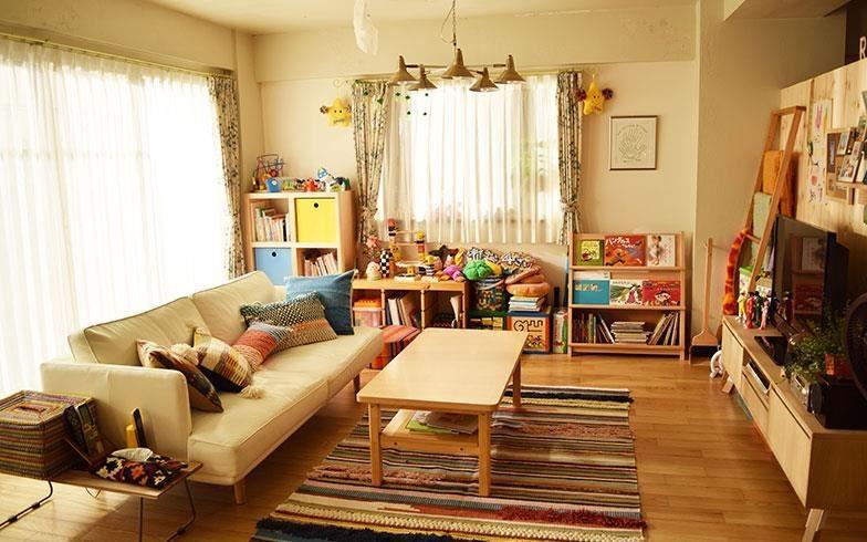 根據日本媒體suumo指出,客廳的設計以簡單和自然為主軸,大多以活動式家具增加機動性。攝影:末吉陽子。圖片來源:suumo.jp