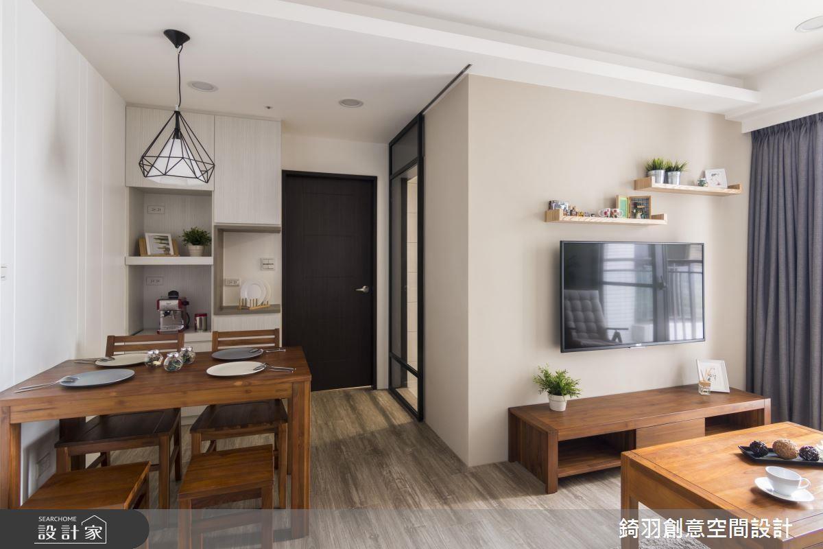 看完整文章點這裡 >> 利用矩形排列玄關、客廳、餐廳與廚房,讓每個空間都緊密連接。