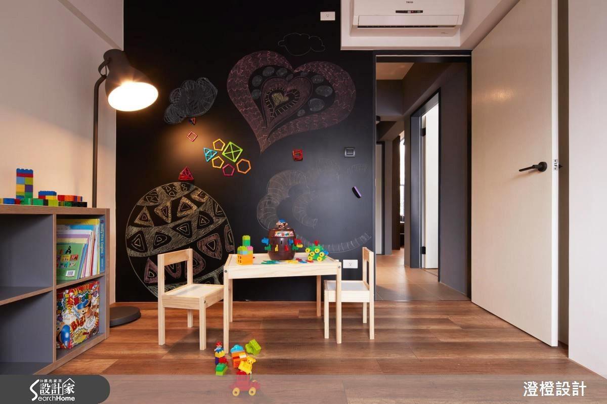 點擊參考這面黑板牆的居家個案圖片>>