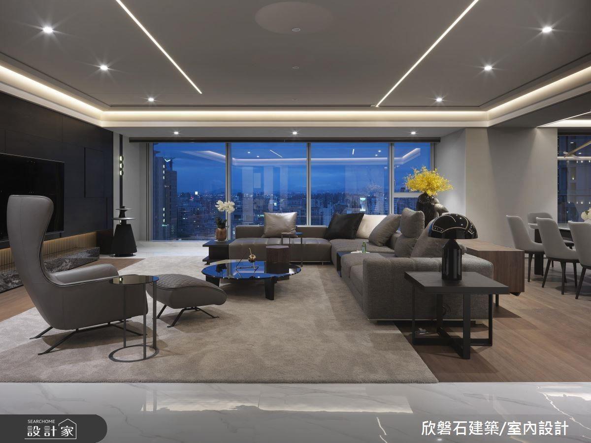 設計師運用開放式格局,將一覽無遺的窗景納入百坪豪宅視野之中。