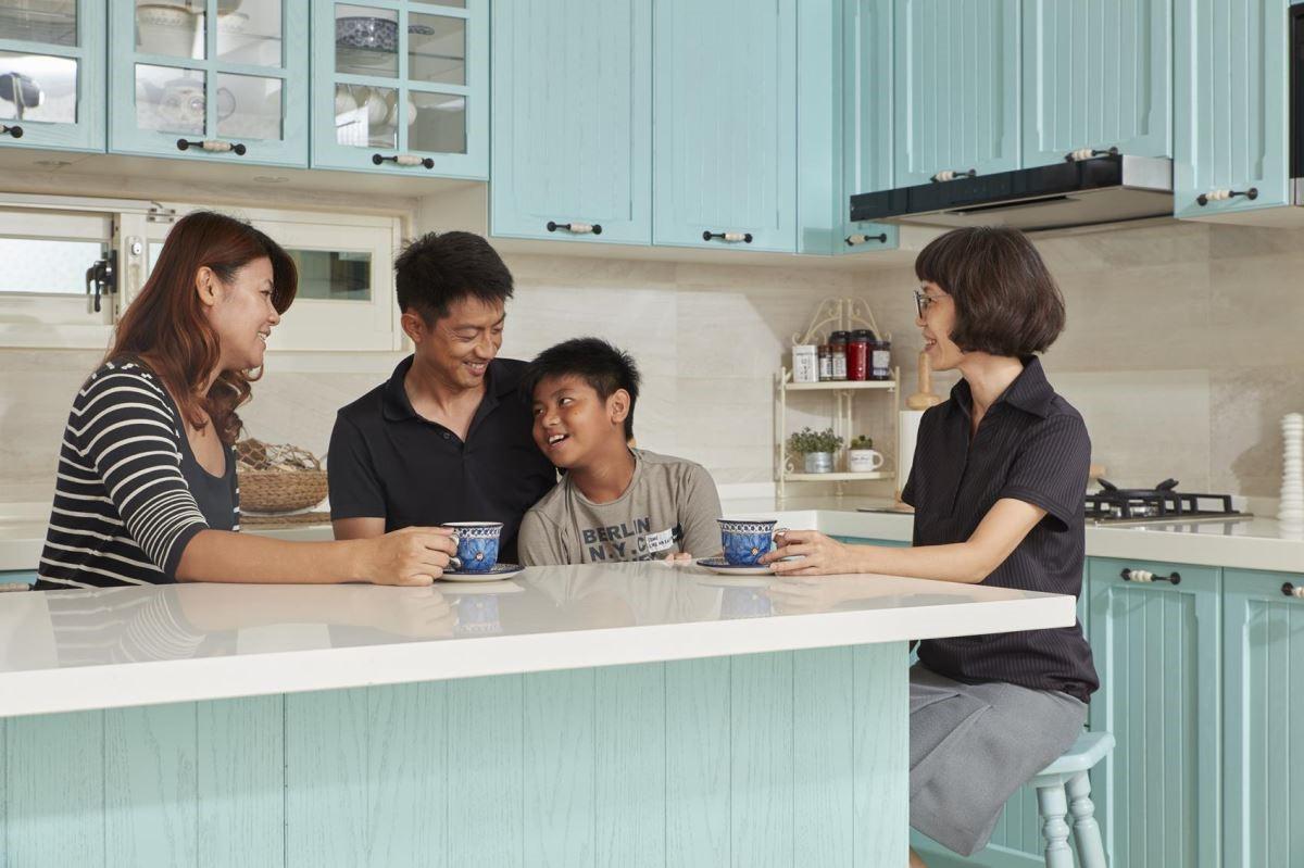 櫻花廚藝生活館岡燕店所打造優質廚房,用設計拉近家人間的情感。