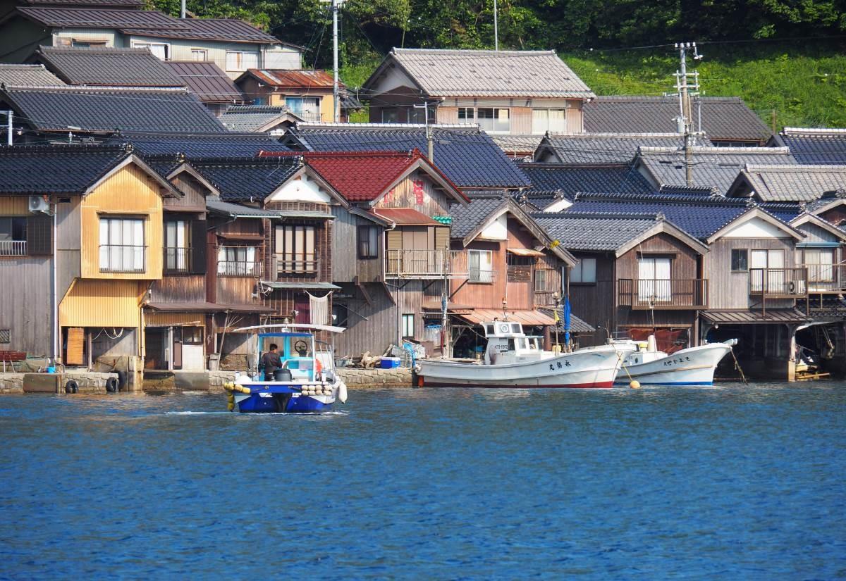 伊根町居民至今仍過著漁業生活,當地收穫的日本鰤魚十分出名。