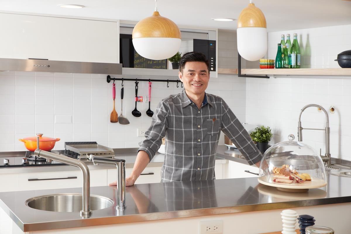 室內設計師陳光哲帶我們走進北歐廚房,體驗3M HEAT2000觸控式熱飲機如何替空間加分。