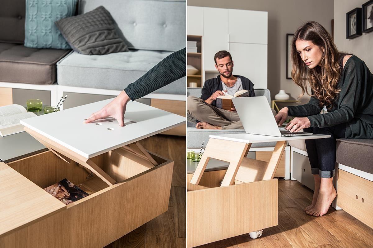 新品 CUSTOM 系列咖啡桌(茶几)配有上升式桌板,設計師將把手融入桌面板的貼心考量,除了確保桌面平整好使用外,也讓開啟方式如持保齡球般趣味。