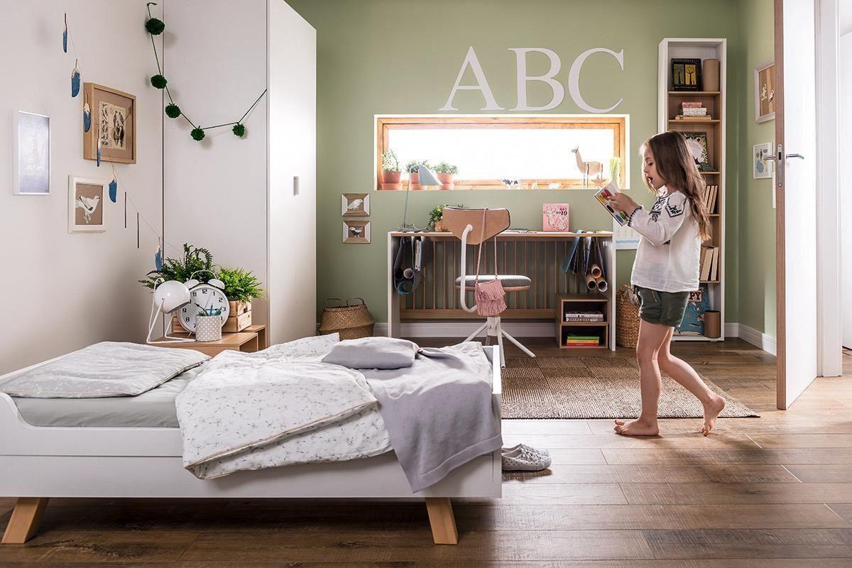 4 YOU 系列幼兒成長家具(嬰兒床)中性外觀讓寶貝更能自由發揮創意、學習獨立,從小培養孩子的自信心。