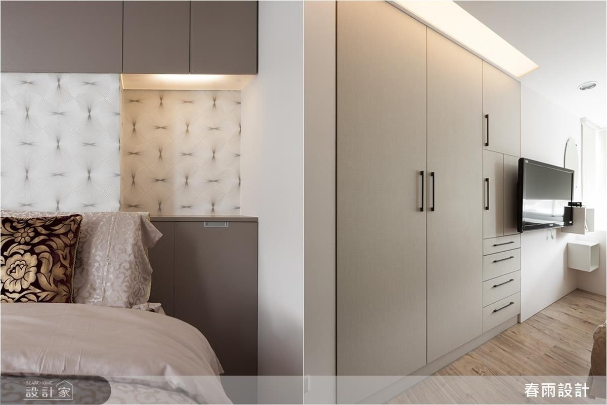 寢臥內,依循床頭樑柱的位置,以上下櫃將其包覆,不只瓦解壓迫感、增添機能,更運用深度增設一處展示平台;同時也讓電視旁的衣櫃貼齊牆線,帶出櫃體的俐落表情。