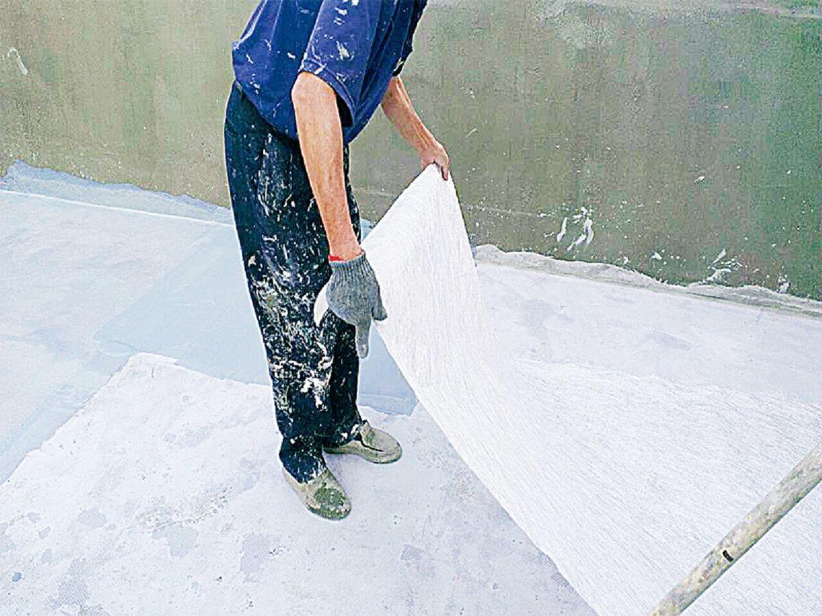 鋪上纖維網,避免防水層因地震而產生裂縫。 圖片提供_今硯室內裝修設計工程‧張主任