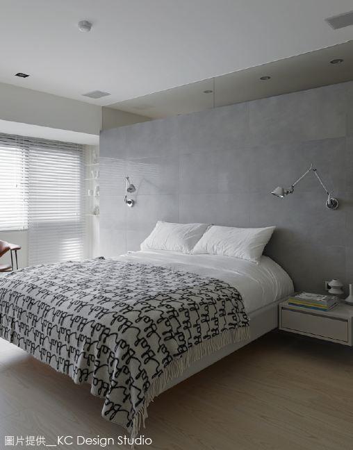 利用水泥板做裝飾材時,可在表面利用木工技術壓開圓孔, 有加強清水模意象之作用。圖片提供_KC Design Studio