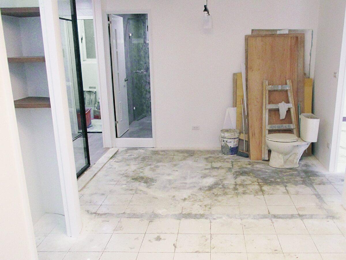 清理木皮、廢料等大型垃圾。 圖片提供_今硯室內裝修設計工程‧張主任