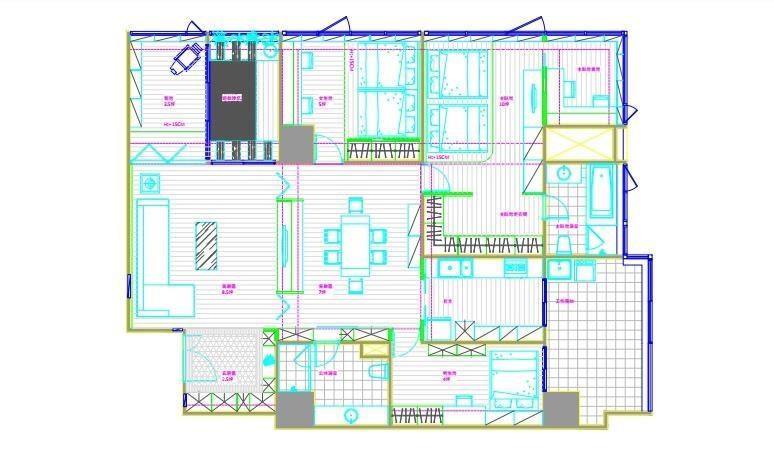 林育如設計師為了放大玄關並增添收納機能,利用木作拉伸向度,並增添收納機能,另外利用隔間牆消弭橫樑,以雙開拉門打造流暢的回字動線。