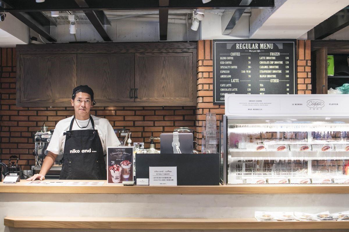 niko and...COFFEE 營運主任酒匂 隆先生,特別來台灣控管品質,只為將日式幸福的原汁原味完美呈現。