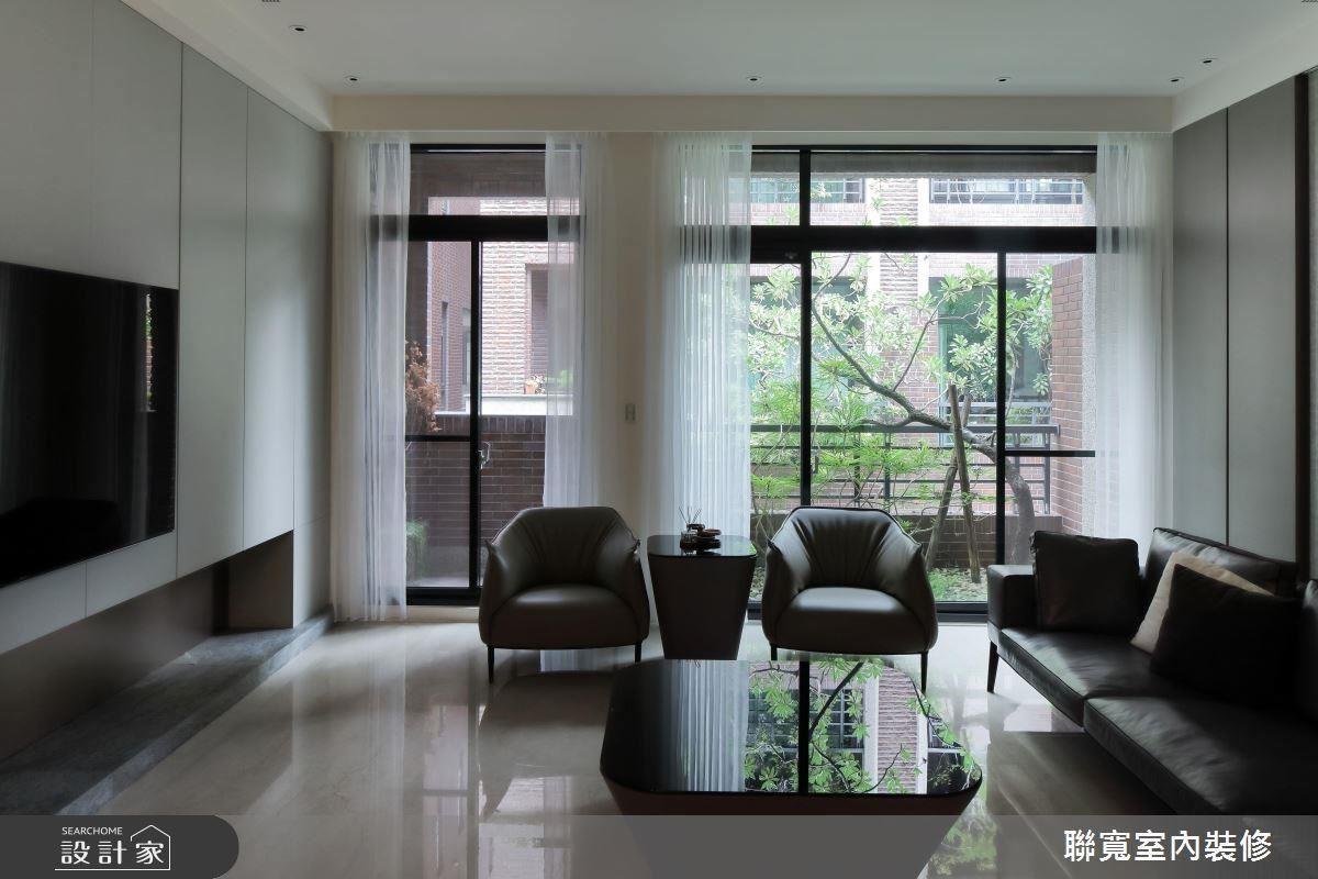 在日常生活的公領域中,透過舒適自然的色彩搭配,帶來休閒放鬆的居家感。