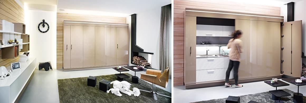 與客廳融合為一的廚房,以4+1滑門,隱藏廚具,輕輕一推,不僅機能充足,空間美感也不打折。
