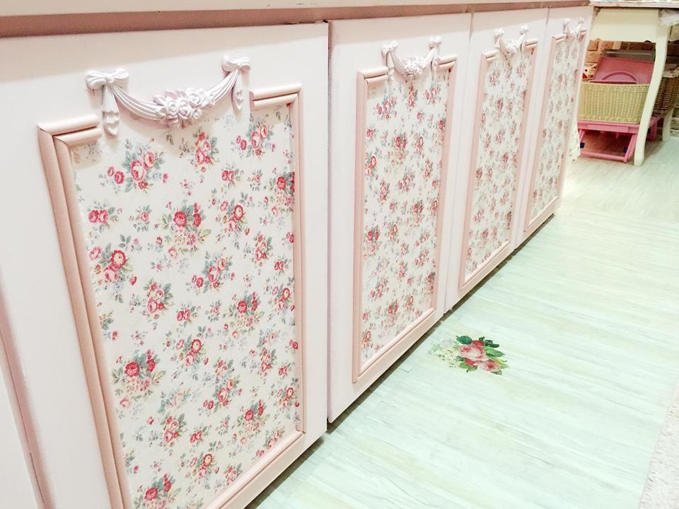 線板內還用蝶谷巴特貼上了可愛的小碎花,增添浪漫氛圍。圖片提供_ Novia Suan