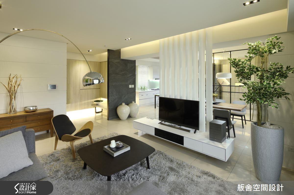 改造後的空間,不僅將原本封閉的空間形式打開,更引入了充沛的光線,也讓生活更為舒適。