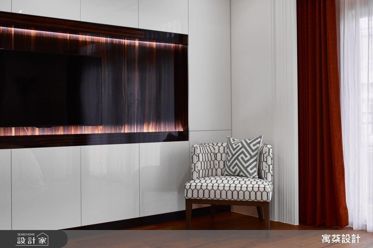 無論空間大小,都可以在角落擺上單椅,或是小桌几,便能成為發呆休憩的角落。