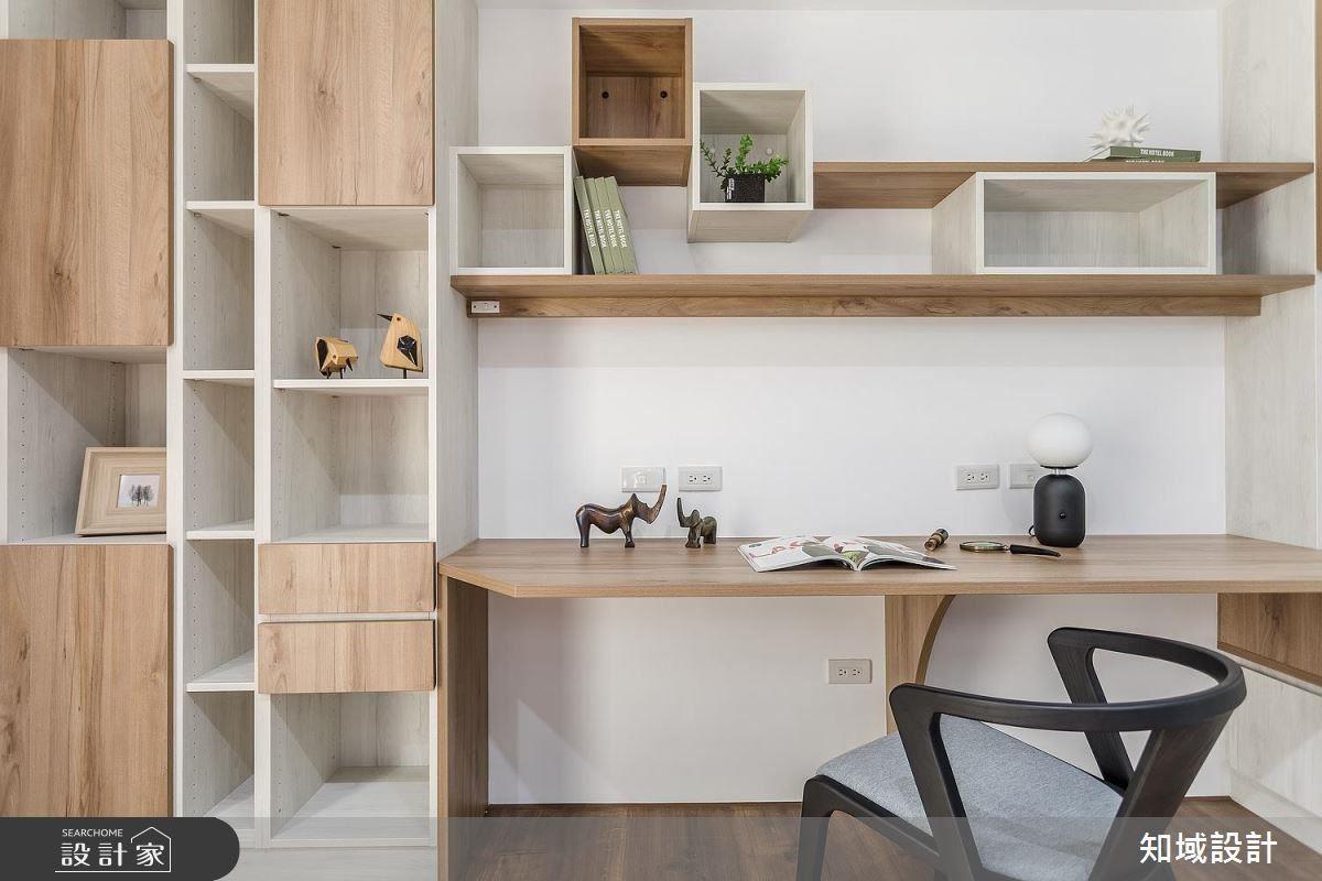 簡約俐落書房設計,成為喜愛閱讀的女屋主的祕密基地。