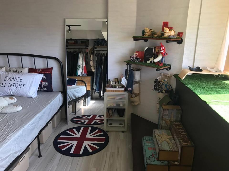 床下還可放些大小相同的收納箱,為小坪數創造更多的收納空間。圖片提供_i AM寶姬