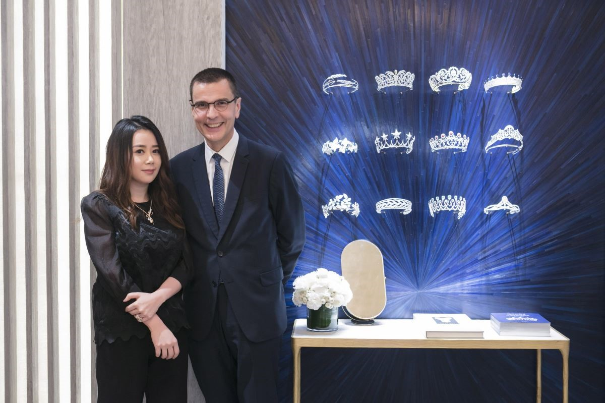 江欣宜設計師與 Chaumet CEO Mr.Jean-Marc Mansvelt。攝影_Mark Lee