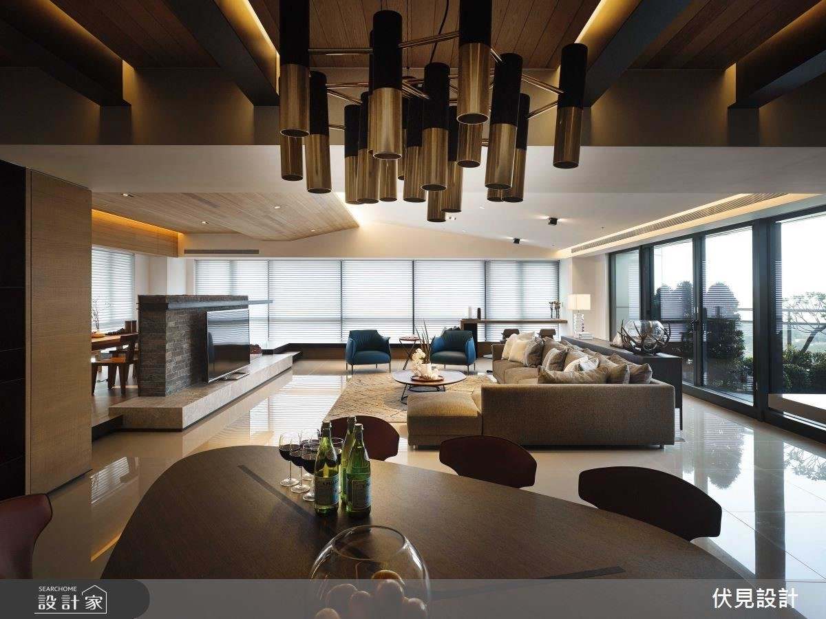 設計師運用實木板和鋼樑修飾餐廳樑柱問題,進而帶點粗獷感,利用燈帶與鋼樑的結合,軟化光線。