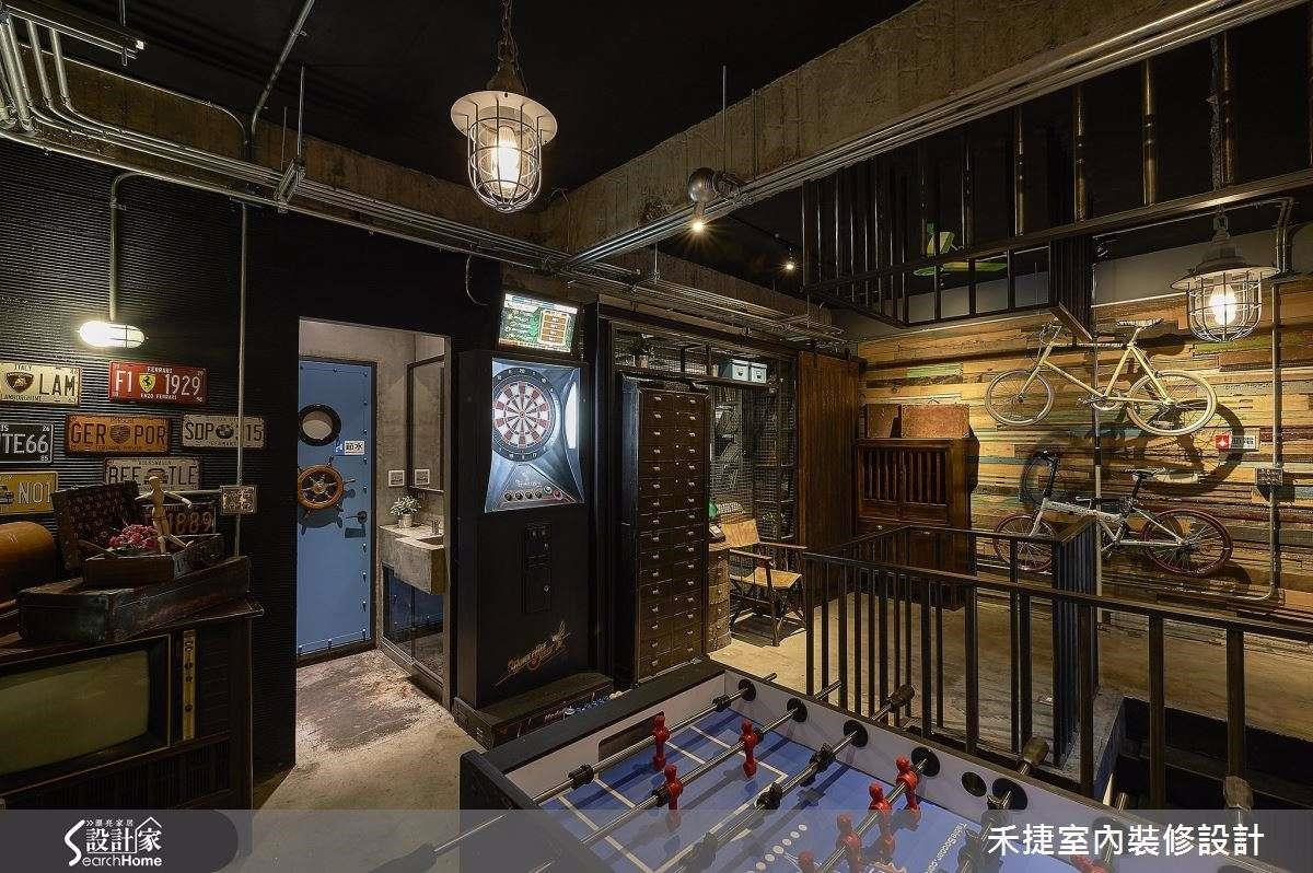 這裡不是美式小酒館,但是飛鏢機台、手足球、體育轉播應有盡有!下班後誰還趕著回家?一定要揪團玩一場! >> 點此看完整圖片
