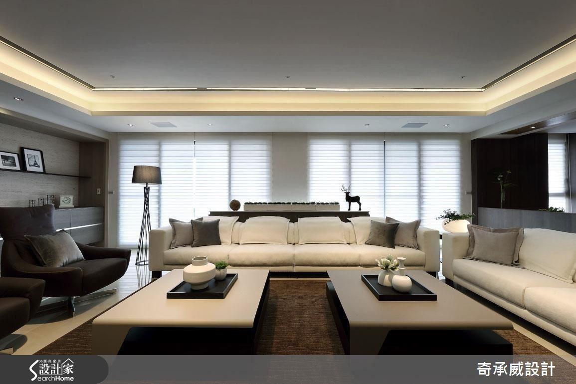 讓公領域位處正中央,私領域則被安置於空間兩側,形成左右逢源的端正佈局,同時爭取天花高度,不做過多的樑體修飾,運用燈光的輕盈提點,開拓敞朗、俐落的廳區視野。