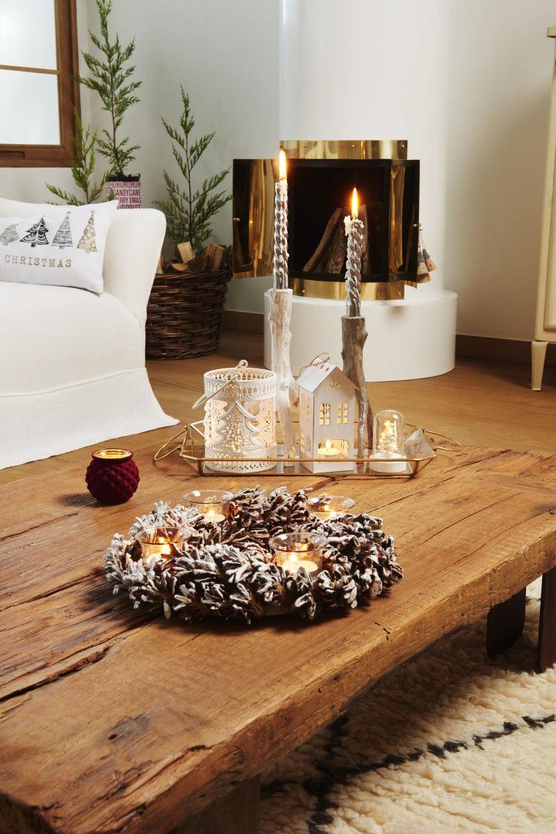 高低款蠟燭相互搭配,讓空間佈置更有層次。(圖片提供_Zara Home)