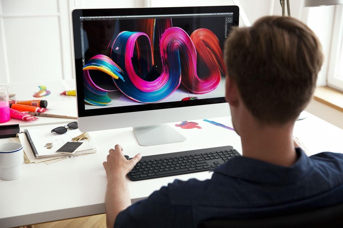 波蘭視覺藝術師 Pawel Nolbert,使用 CRAFT 無線高階鍵盤進行創作。