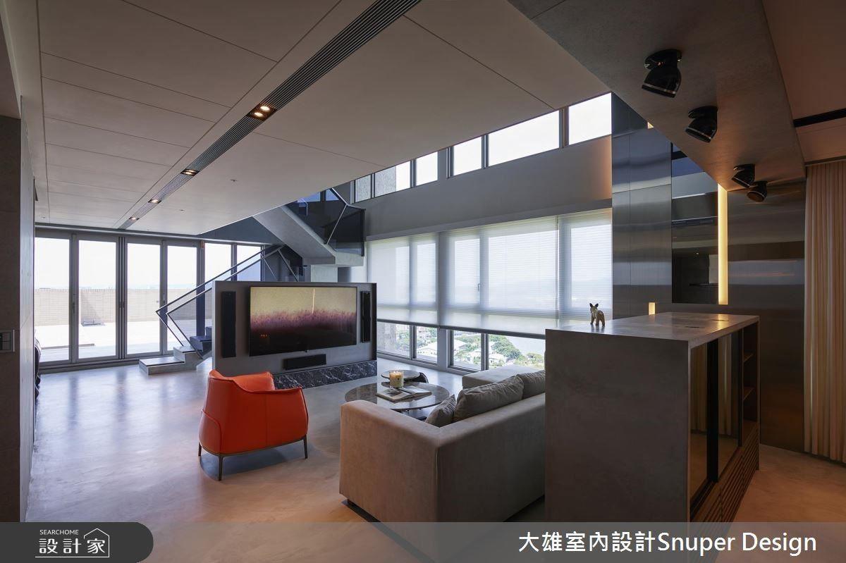 設計師為這雙層、超優景觀視角的頂層樓房,打造出 360 度實境美宅。