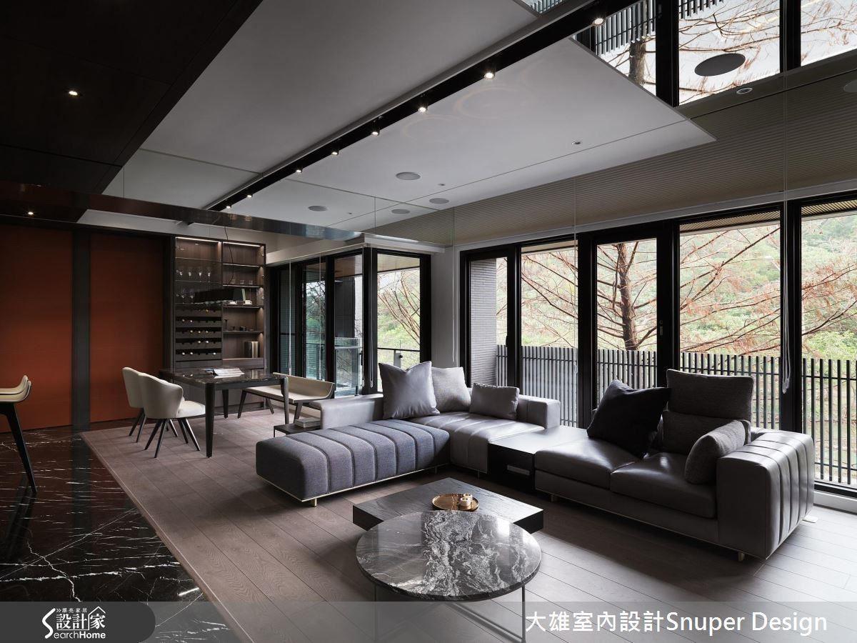 沿著大面落地玻璃窗,建構開放式公領域,串聯自然與生活。