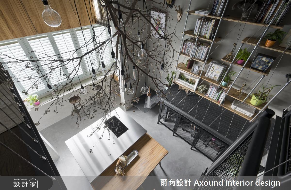 用牆面與天花底下空間,挹注實用收納機能,同時搭配琳瑯滿目的綠色植栽。