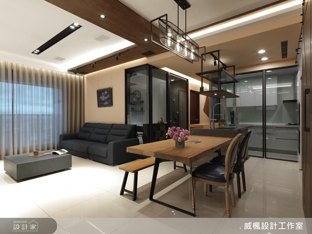客餐廳採半開放設計,注重空間軸線的串聯,並以灰色調注入飯店質感,使屋主居家也能擁有愜意情懷。