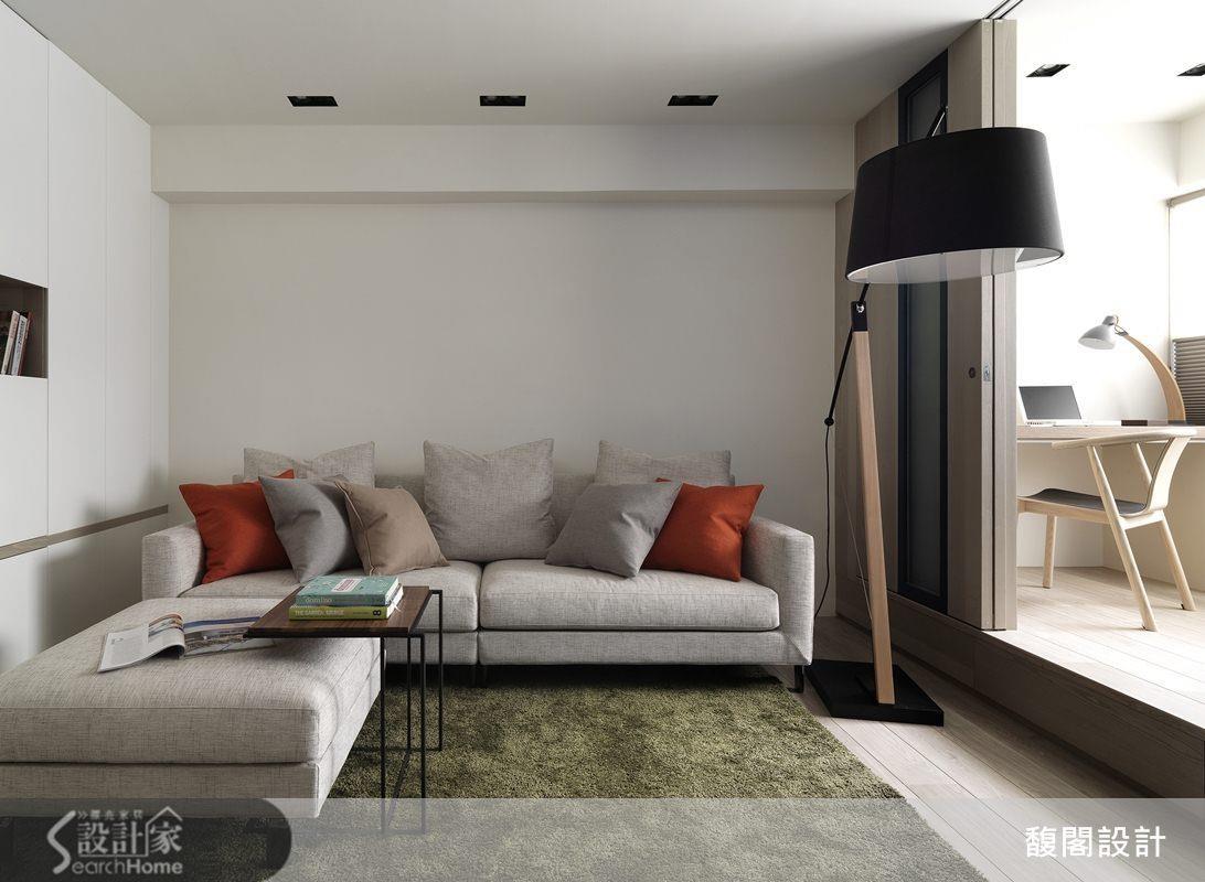 軟件與家具採用淺色與跳色組合,也能達到提亮視覺感受的目的。 >> 看完整圖庫
