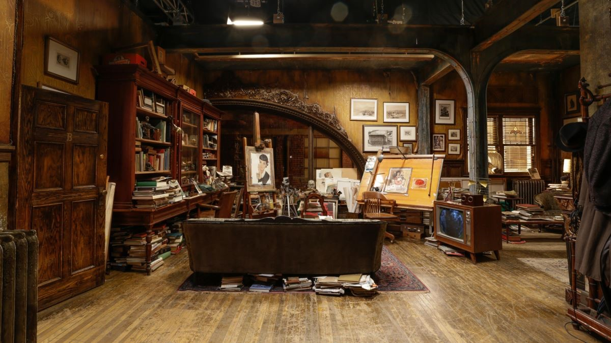 嘉爾的家中有許多裝飾品,包含他個人的創作,其中簡化歐式繁複語彙的沙發、相片牆都很抓眼球。