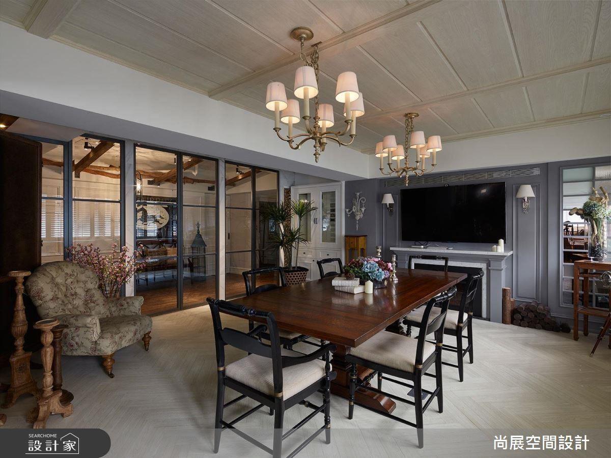 木質家具可表現美式風格,這項特點在嘉爾的公寓中可以很顯著。