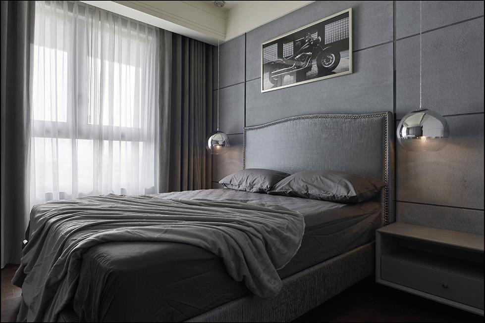 小孩房在線板與舒緩色調的搭配下,呈現出空間獨有的細膩高質感。