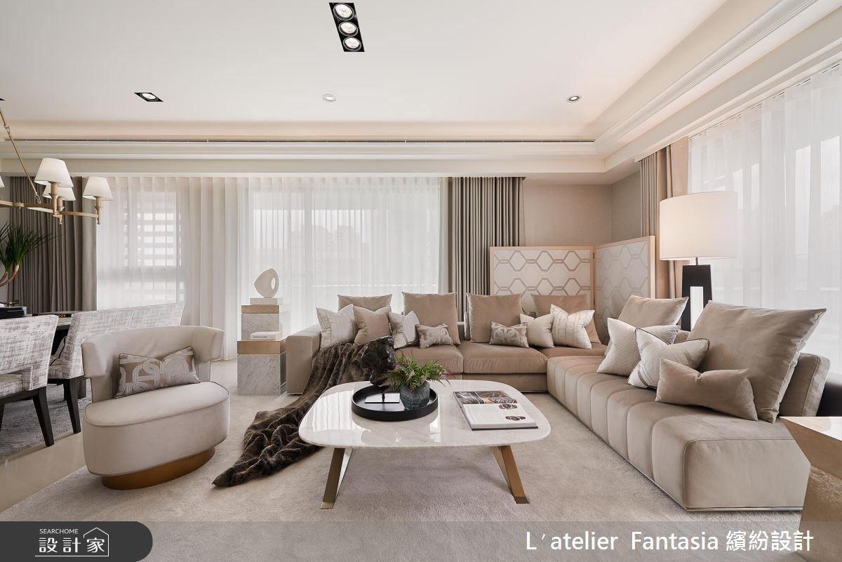 以米、藤灰色為基底,構築南法度假風情般的宅邸。